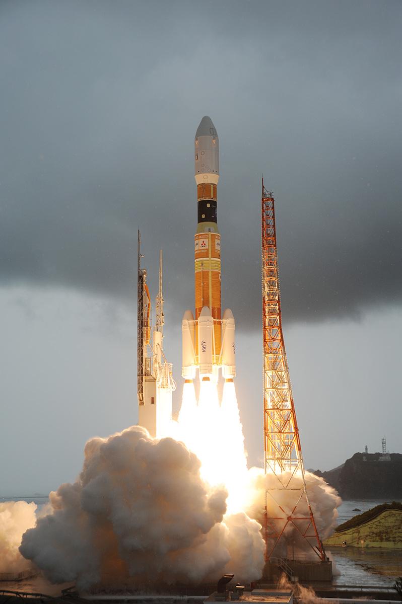 http://www.jaxa.jp/countdown/h2bf3/live/img/liftoff_t3_02_l.jpg