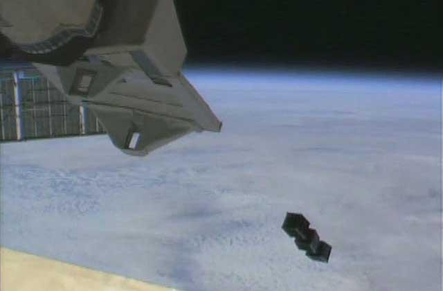 「きぼう」からBIRDSプロジェクトの超小型衛星3機放出に成功!