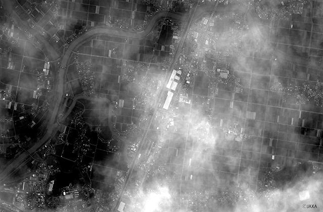 人工衛星「つばめ」が九州新幹線「つばめ」を撮影