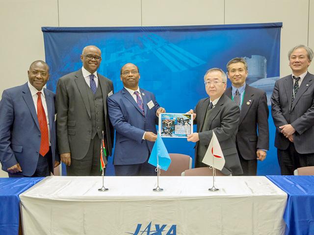 ナイロビ大学の超小型衛星(衛星名:1KUNS-PF)がJAXAに引き渡されました