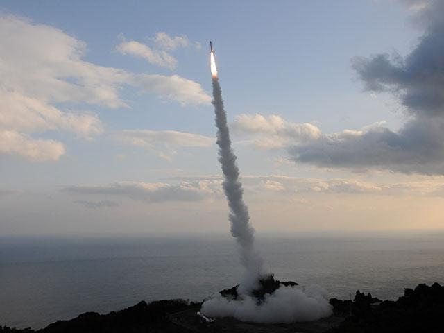 宇宙に金属鉄は少ない? 観測ロケットS-520-28号機による微小重力実験で検証