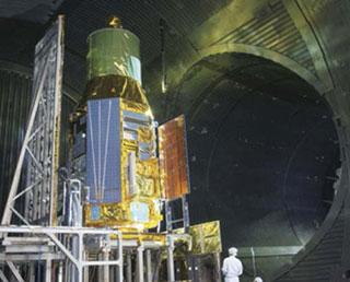 ASTRO-H 熱真空試験を実施