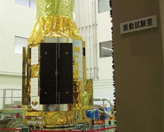 ASTRO-H 正弦波振動試験を実施