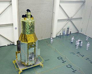 ASTRO-H機体公開