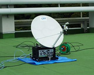 南海トラフ大震災を想定した衛星利用実証実験で「きずな」を用いた通信訓練を実施